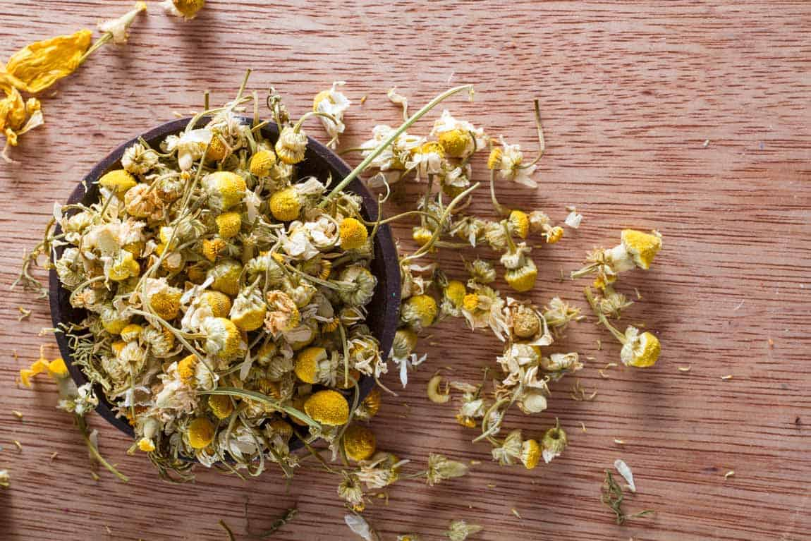 Free downloads from Piccia Neri. Dried chamomile buds.