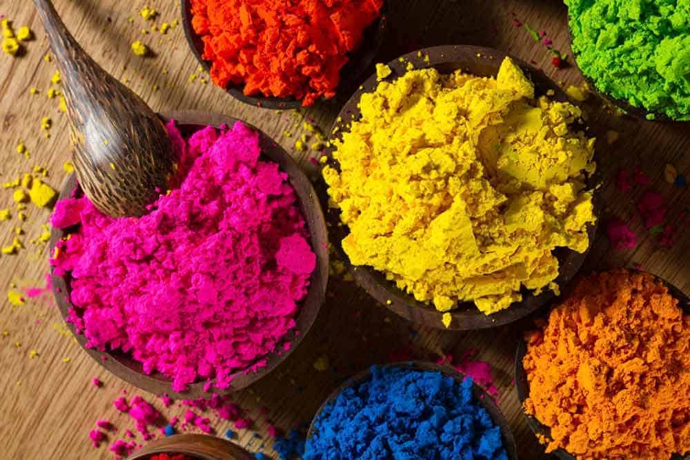 Indian pigments in colourful contrast. Photo by Piccia Neri, all rights reserved.